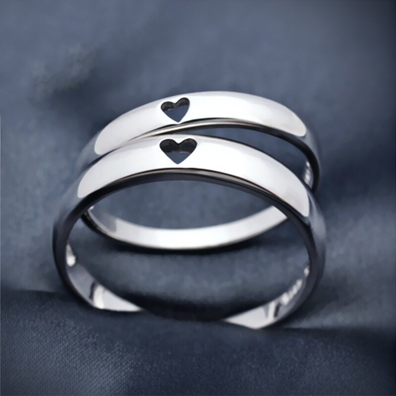 47071fc1f07ce Heart-Shaped Silver Couple Rings