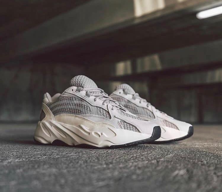 on sale ba0ce d79f3 Adidas\|/Yeezy 700 static